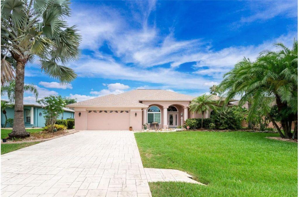 Home on 463 CAPRI ISLES CT, PUNTA GORDA, FL 33950